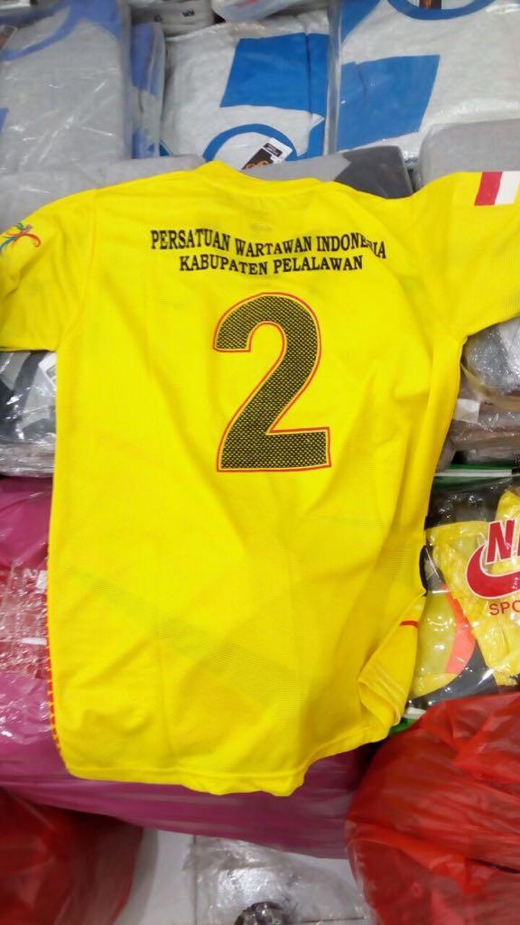 Sore ini HM Harris Perkuat Tim Sepak Bola PWI Pelalawan Lawan Tokoh Masyarakat Desa Segati