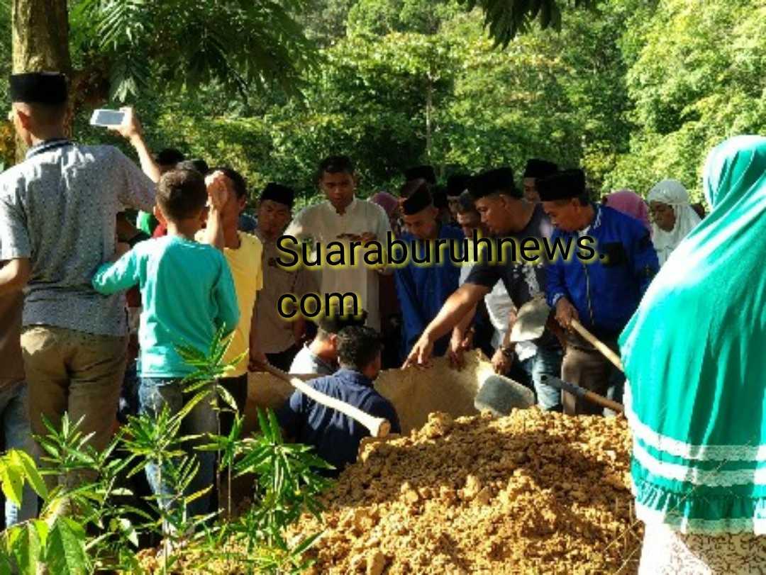 Jenazah Almarhum Ujang Herman Dimakamkan di Kampung Halamannya, Langgam