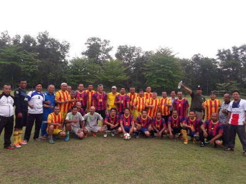 FPK Pelalawan Adakan Pertandingan Sepak Bola Persahabatan dengan All Star PT RAPP