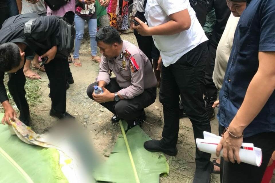 Diduga Dianiaya, Mayat Perempuan Ditemukan Warga di Parit Bandar Seikijang