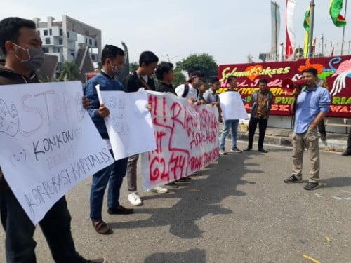 Derita Asap tak Kujung Berakhir, AAPMP Aksi Kantor Gubernur Riau