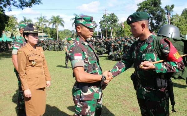 Pangdam XII/Tpr Berangkatkan 450 personel Satgas Yonif R 641/Bru ke Perbatasan RI – Malaysia