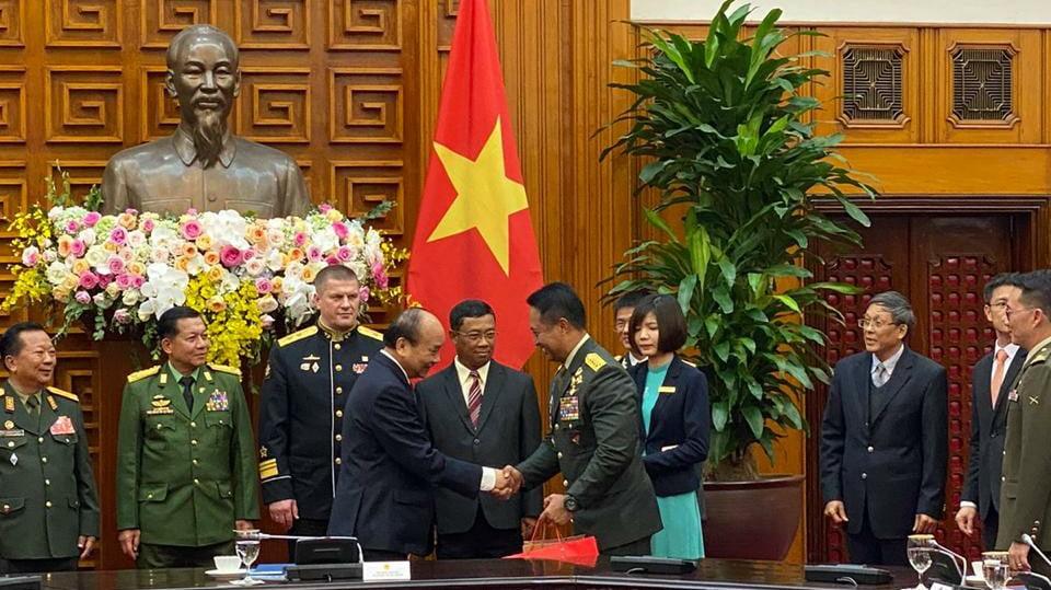 Kasad Hadiri Acara Peringatan ke-30 tahun Pertahanan Nasional Vietnam dan ke-75 tahun Tentara Rakyat Vietnam