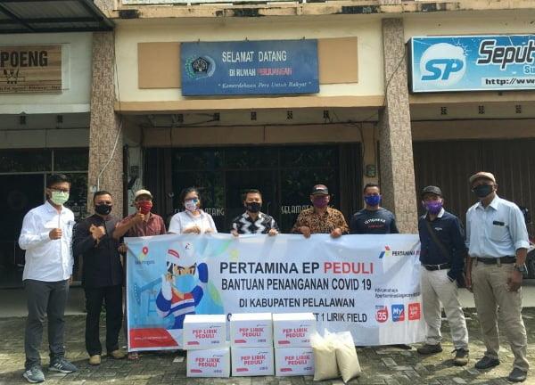 Pertamina EP Lirik Field Salurkan Bantuan Sembako Untuk Wartawan Pelalawan