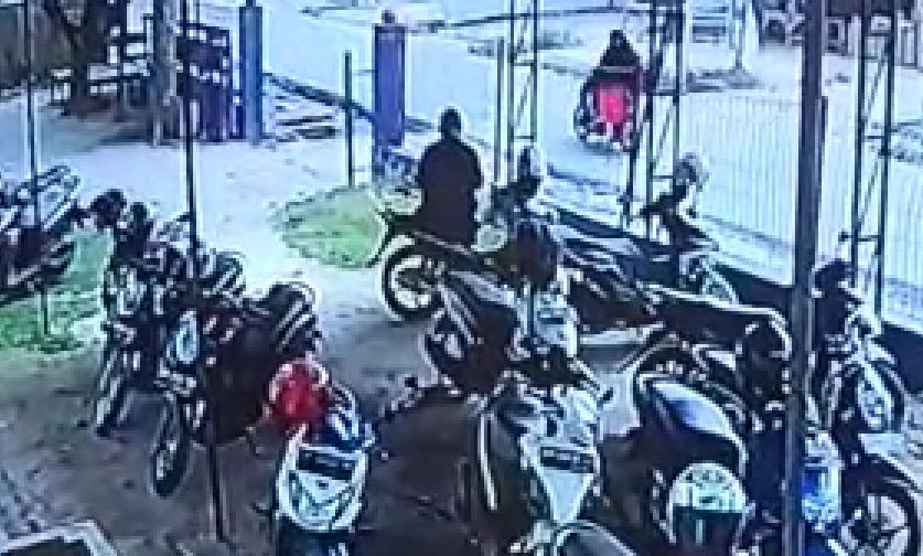 Viral Video Detik-detik Sepeda Motor Staf Puskesmas Pkl Kerinci Dicuri