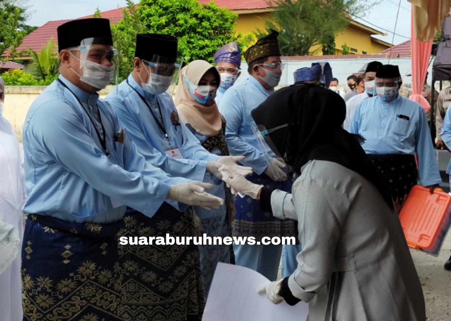 Paslon Cabub Wabub HT Daftar di KPU Pelalawan